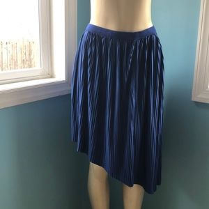 Xhilaration Navy Pleated Asymmetrical Skirt M